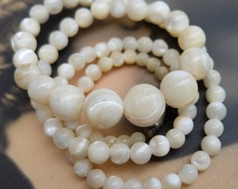 Vintage Mother of Pearl Necklace Graduated Sized Beads