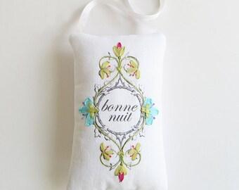Bonne nuit door hanger, French door sign, good night door sign, bedroom sign, nursery decor, embroidered sign, baby shower gift