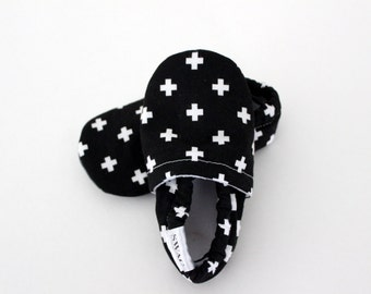 New Baby shoes Baby Booties Baby girl walking shoes Baby boy shoes Infant Shoes toddler shoes SWAG booties black swiss cross baby crib shoes