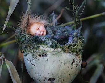 Sleeping pixie boy, easter egg, Osterei, handmade decoration
