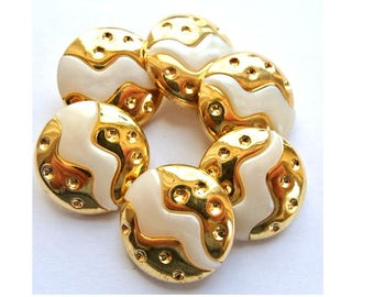 6 Vintage buttons white plastic with gold trim center, retro 21mm