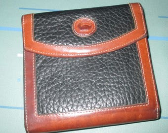 Vintage Dooney and Bourke Bi-Fold Black and Brown Leather Wallet