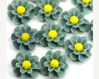 50% Off Sale Flower Cabochons Plastic Chrysanthemum 18mm Light Steel Blue (6) PC381