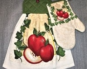 APPLES and IVY Double Layer Hanging DECORATIVE Towel and Oven Mitt Set for kitchen, oven door towel, housewarming, gifts, birthday, holiday