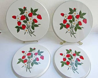 Set of 4 Vintage 1980's Metal Enamel Painted Stove Burner Covers with Strawberries  and Flowers Decoration, Vintage Kitchen Decor, RV Decor