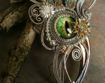 Gothic Steampunk Green Eye Necklace with Wings