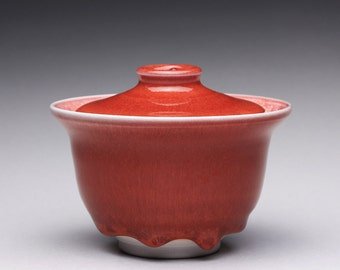 handmade porcelain gaiwan, ceramic lidded bowl with bright red and white glazes