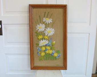 Vintage Framed Embroidery, Floral Embroidery, Floral Needlepoint, Flowers Crewel Work, Daisy Embroidery, Vintage Flower Embroidery