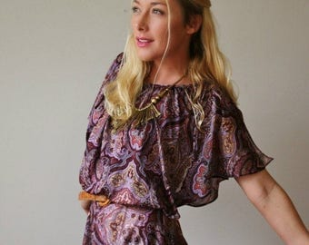 25% OFF SALE 1970s Paisley Flutter Dress >>> Size Extra Small to Small