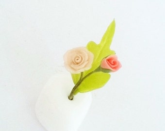 Miniature flowers, Sweet Rose, Natural look in ceramic stone container