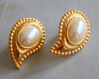 M JENT Signed Earrings Clip On Gold Pearl Paisley
