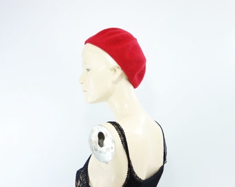 Vintage Red Beret Felted Wool Beret 1980s Red Beani Classic Red Beret Scarlet Red Hat Vintage Red Hat 1980s Vintage Hat m