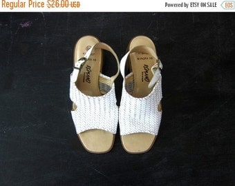 Vintage 80s White Leather Sandals Huaraches Woven Summer Beach Shoes Buckled Leather Slip Ons Short Chunky Heels DELLS Women's size 6.5