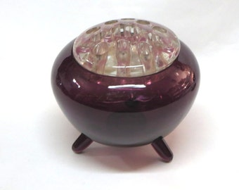 Viking Glass Amethyst Purple Vase with Flowerlight Frog Peg Legs