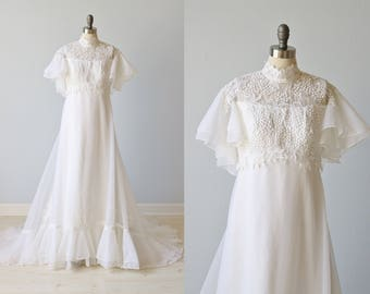 RESERVED Vintage 1970s Lace Wedding Dress / 70s Boho Wedding Dress / Lace Collar / Chapel Train / Shawl Overlay