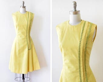 60s yellow mod dress, vintage 1960s linen dress,  mod scooter dress with green embroidered floral trim, small s