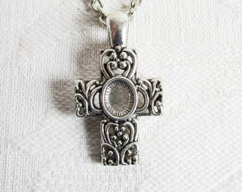 Ornate Antiqued Silver Cross Chain Necklace