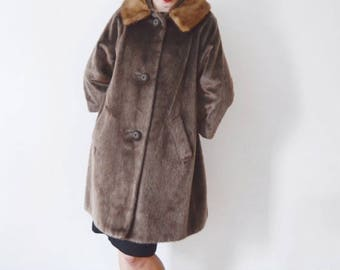 SPRING CLEANING SALE 1950s/1960s Faux Fur Jacket with real Mink Collar - S/M