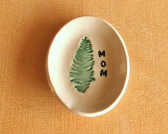 Ceramic FERN Ring Dish - Handmade Small Oval Fern Plant MOM Ring Dish - Mother's Day Gift - Ready To Ship