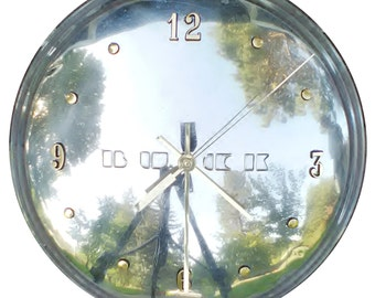 2 Day Shipping!!  Hubcap Clock, Buick '50s with numbers (hub cap retro clock)