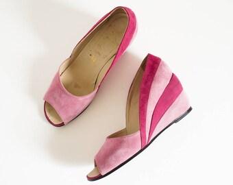 Vintage Womens Size 6M Shoes / Italian Suede Peep Toe Wedge Heels / Pink Magenta Square Toe