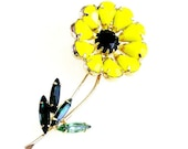 Black and Yellow Daisy Flower Brooch
