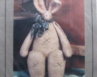 Abby/Craft Sewing Pattern by Homebodies/1998/18 in. Shaggy Felt Bunny