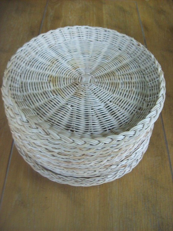 lot of 14 rattan paper plate holders. Black Bedroom Furniture Sets. Home Design Ideas