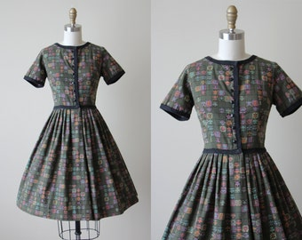 50s Dress - Vintage 1950s Dress -  Olive Green Fleur de Lis Print Cotton Full Skirt Dress S - Let the Good Times Roll Dress