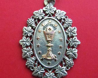 Antique Communion French Silver Religious Medal Grape Cluster Catholic Pendant Jewelry  SS431