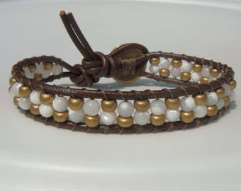 Shell and Gold Beaded Leather bracelet