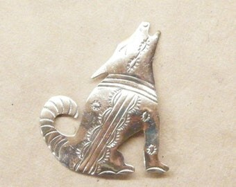 Vintage Brooch Pin, Coyote Pin, Silver Pin, Unmarked Sterling,  ANIMAL CHARITY DONATION