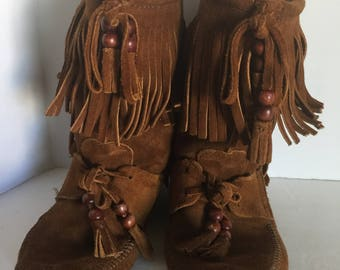 Vintage Boho Minnetonka Fringed Boots Size 6.5