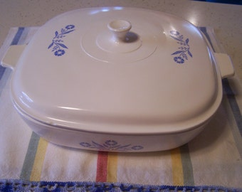 Mid Century Corning Ware Casserole Dish,First edition, Cornflower Blue Corningware Casserole Dish w/ Solid Lid, Blue and White Flowers