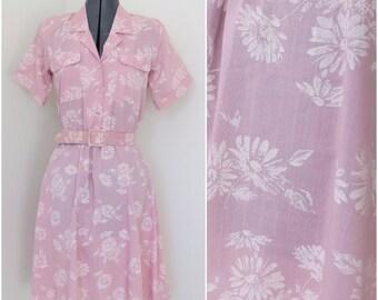 1980s Pink Floral Shirtwaist Dress w/ Matching Belt - Womens Bust 34 - By Stuart Alan Petites