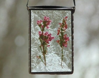 Stained glass heather flower suncatcher, pink Heather, suncatcher ornament, pressed flower gift under 30, nature garden gift for mom