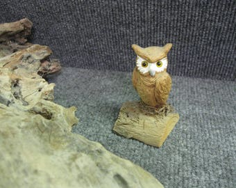 Vintage small wood carved Owl