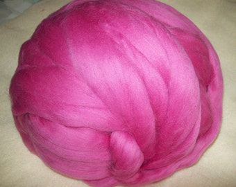 Merino Wool Roving, wool roving, combed top, merino top, dyed wool roving, Fuchsia color, 2 oz
