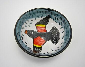 Small Ceramic Serving Bowl - Red Wing Black Bird - Majolica Pottery Bowl - Bird watching - Cereal Bowl - Ice Cream Bowl - Dish - Wildlife