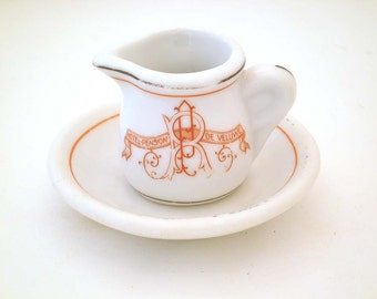 Vintage Chic Tiny Cream Jug with Plate - Holland - Europe