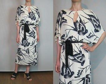 Off White SWALLOW Print Novelty Dress / Black n White Bird Print Dress / Bird Print Dress / 70s 80s Novelty Dress