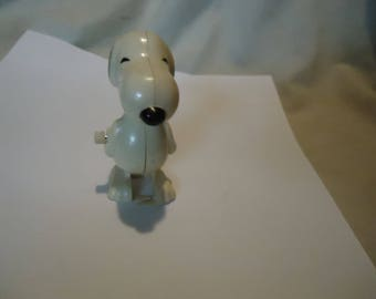 Vintage 1972 Mini Wind Up Walking Snoopy Toy by Aviva, collectable, Peanuts