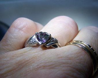 Mystic Topaz Heart Ring 10K White Gold Size 7.5
