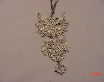 Large Sure To Be Seen Vintage Moveable Owl Necklace   16 - 747