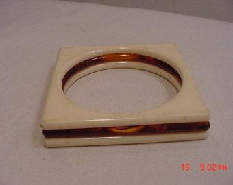 Vintage Square Faux Tortoise Shell Lucite Bangle Bracelet   16 - 828