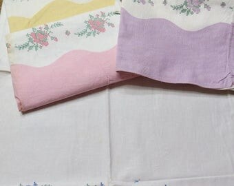 Going Out Of Business Shabby Roses Border Print Feedsack Pillowcase-Feed Sack-Cameo-Feedsack-UNUSED-Original Stitching-PURPLE
