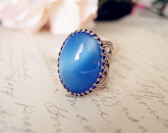 Vintage cat eye blue glass jewel ring-Victorian ring-Aged brass-adjustable-steampunk-edgy chic V100