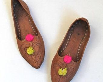 vintage ethnic leather shoes - DOUBLE LOVE heart & pom pom slip ons / sz 7