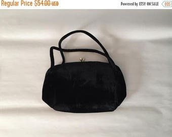 25% OFF SALE ... 1940s velvet purse | black velvet double handle kiss lock purse