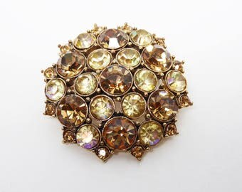Round Monet Rhinestone Brooch - Shades of Golden and Yellow Rhinestones in  Gold Tone Setting - Vintage Retro 1980's 1990's Pin